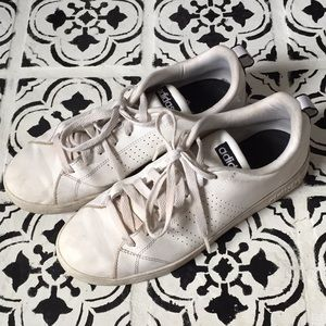White Adidas advantage lace ups men's 9 used